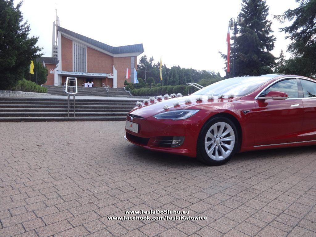 Tesla do ślubu Mielec - Podkarpacie (ślub w kościele pw. Matki Bożej Nieustającej Pomocy w Mielcu)