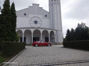 Tesla wynajem na wesele w Łaziskach.