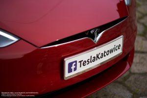 Tesla Model S do ślubu czerwona