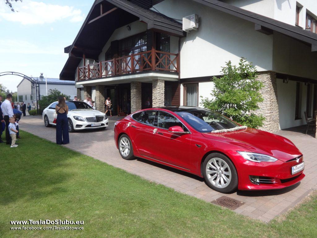 Tesla na wesele Wadowice (ślubna Tesla Model S przy Hotelu Badura w Wadowicach)