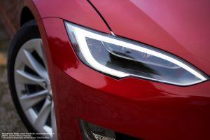 Tesla S do ślubu Multicoat Red